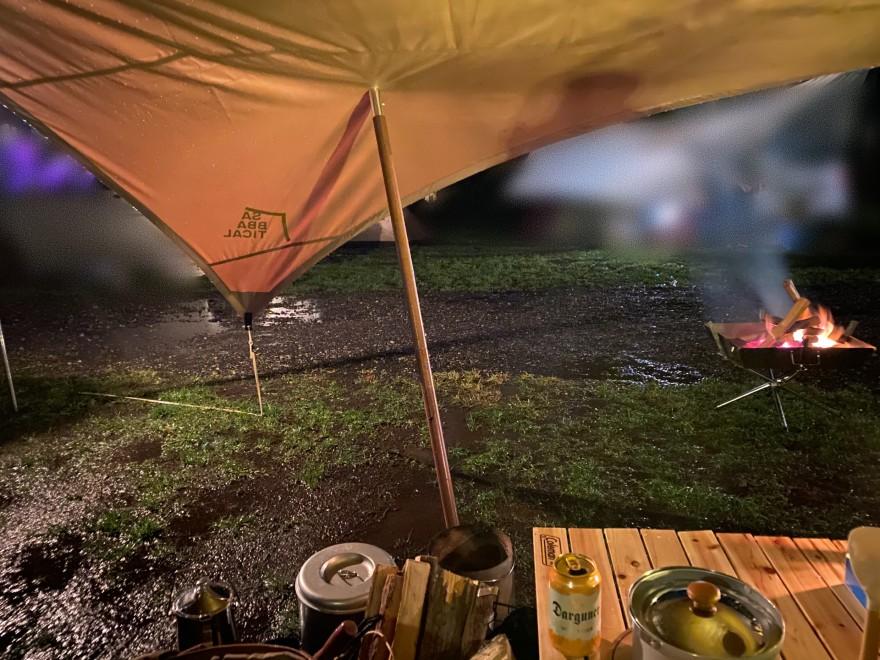 軽井沢キャンプゴールドで雨