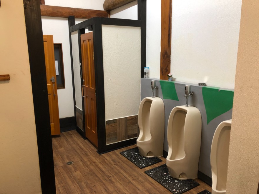 ウエストリバーオートキャンプ場のトイレ